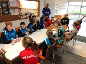Dimitri Ignatow zu Gast beim SV Handball Camp - TSG